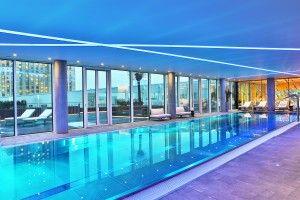 Zlota 44 amenities floor - swimming pool (3)